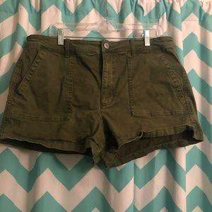 American Eagle High Rise Shortie Green Shorts